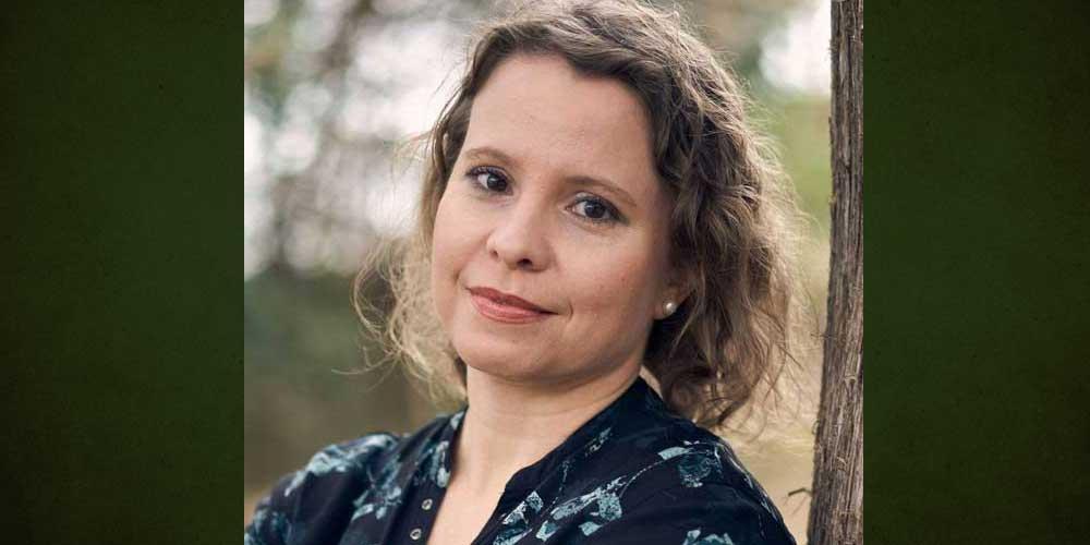 Stephanie Bain author