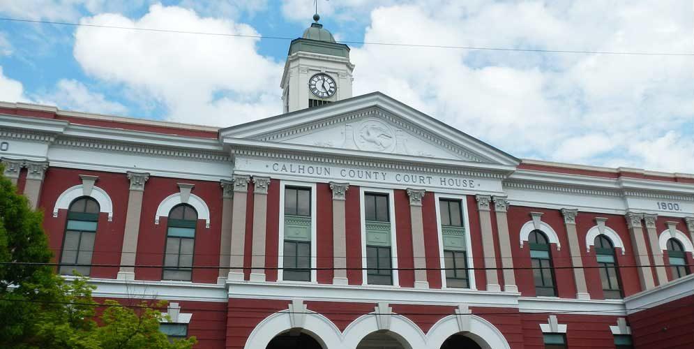 calhoun-county-courthouse